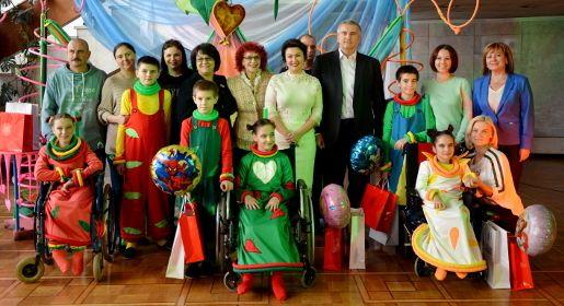 Дети с ограниченными возможностями представили спектакль в Симферополе