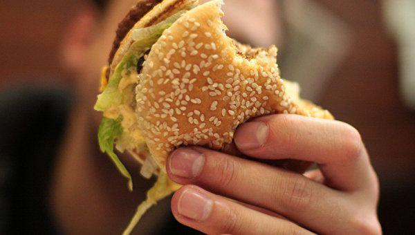 Ученые ответили навопрос, как есть жирную пищу инетолстеть