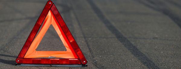 В Симферополе иномарка пробила ограждение и вылетела на встречную полосу