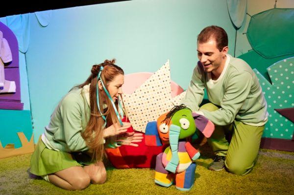 Крымский академический театр кукол представил премьеру спектакля «Слон в разноцвете»