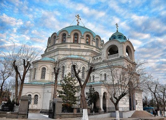 Расписание богослужений на День Святителя Николая – престольный праздник Свято-Николаевского собора