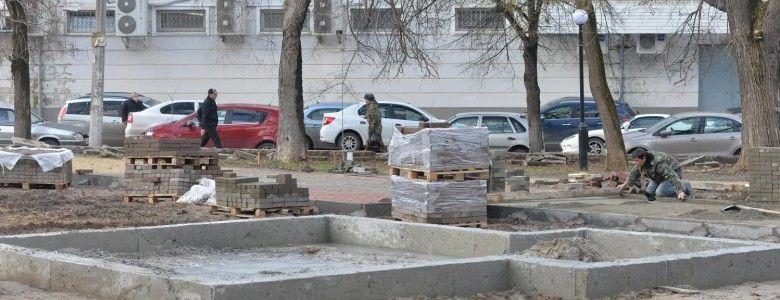 Эксперт прокомментировал ремонтные работы в одном из центральных скверов Симферополя