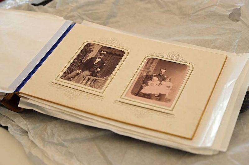 ВКрым вернули утерянный альбом с фотоснимками царской семьи
