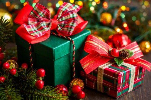 Госслужащим Крыма запретили дарить и получать подарки