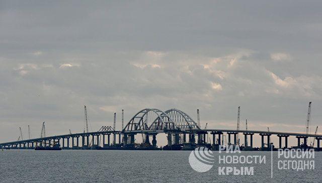 В ГД связали заявление Киева о Крымском мосте с поставками оружия из США