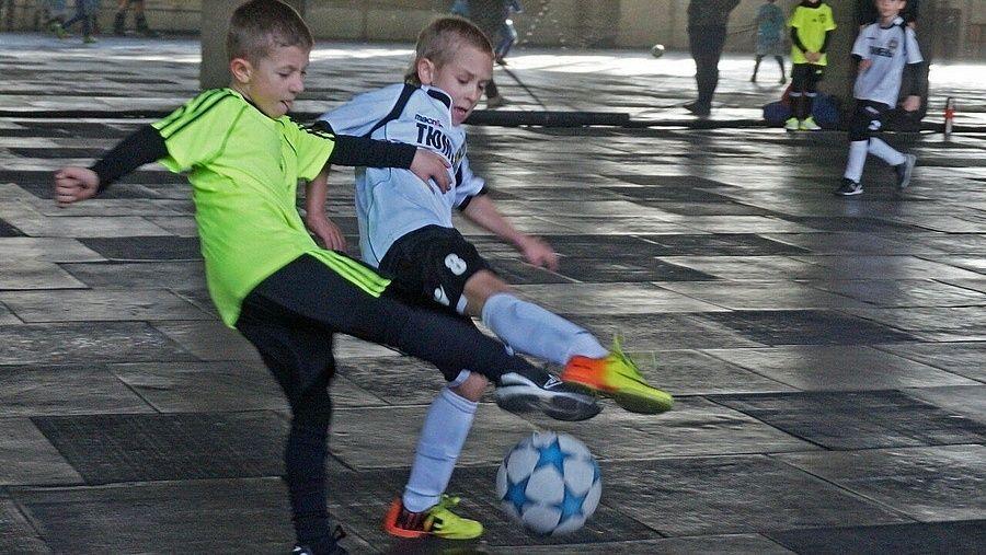 В Симферополе разыграли зимний Кубок города по мини-футболу среди самых юных