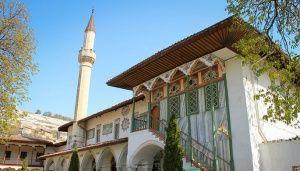 Крышу Ханского дворца в Бахчисарае залатают к марту
