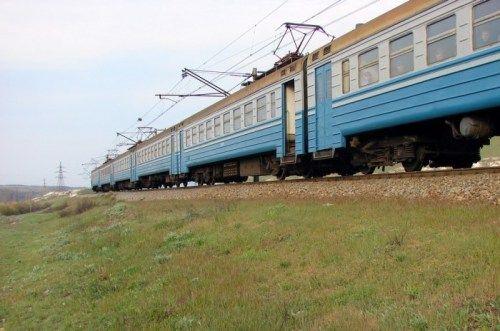 Власти уверены, что поезда будут перевозить в Крым по четыре млн пассажиров в год