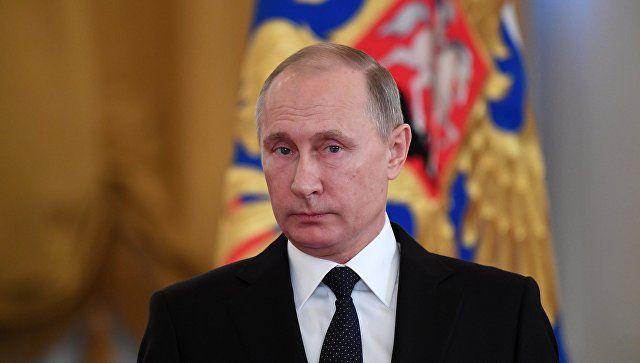 Путин сравнил идеологию коммунизма с христианством, а тело Ленина - с мощами святых