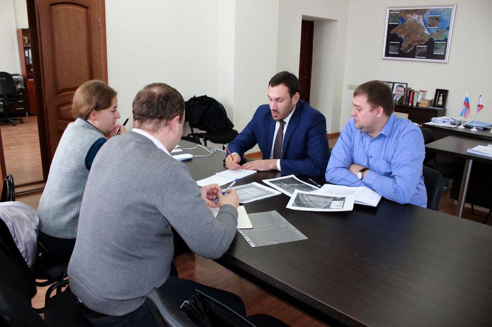 Госкомрегистр оказывает содействие Минспорта РК в оформлении документов на земельный участок в Феодосии площадью более 5 га под спортивную базу