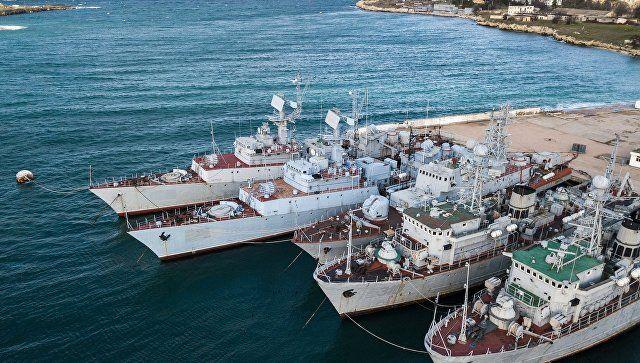 Киев не ответил, готов ли забрать технику из Крыма - Песков