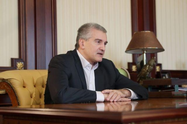 Аксенов пообещал Госстройнадзору проверку и чистку кадров
