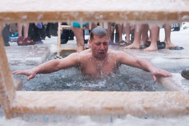 МЧС: более семи тысяч крымчан посетили крещенские купания