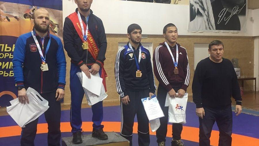 Крымские борцы-вольники завоевали четыре медали на турнире в Красноярске