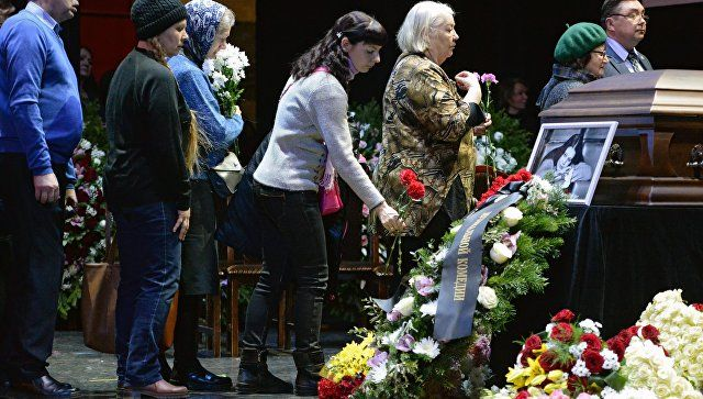 Похороны Людмилы Сенчиной: с артисткой простятся в северной столице