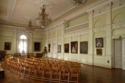 Украинские власти заочно осудили 2-х сотрудниц музея, вернувших 52 картины вКрым