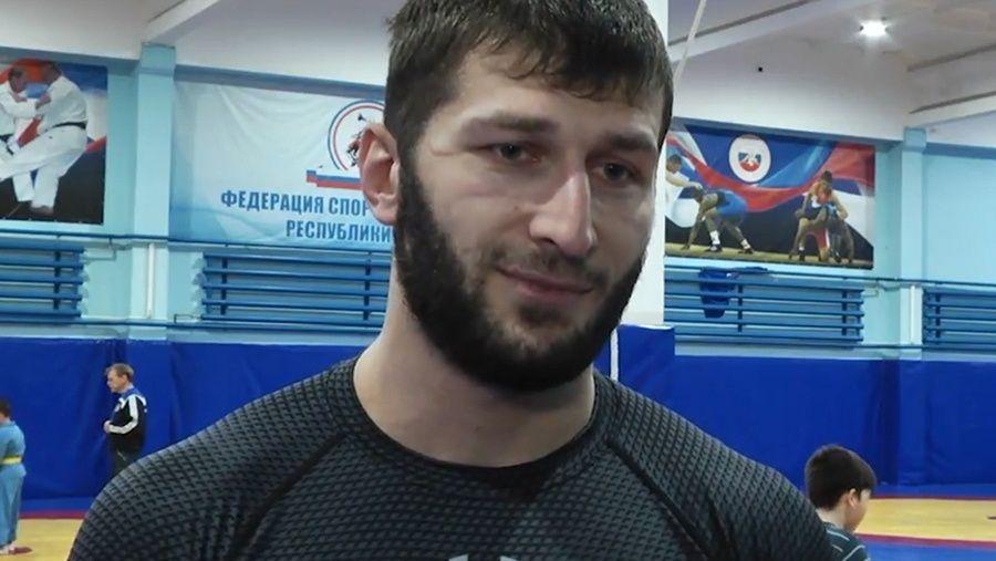 Видеосюжет об успехе крымских борцов-классиков на турнире в Нижегородской области