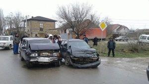 В ДТП под Саками пострадали два водителя