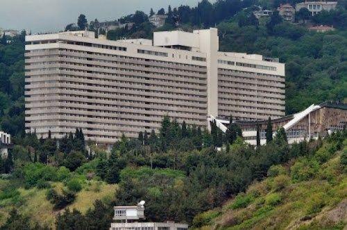 СМИ: отельеры Крыма массово снижают стоимость номеров