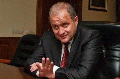 «Просто отбросили». Экс-глава МВД Украины разъяснил решение сдать Крым