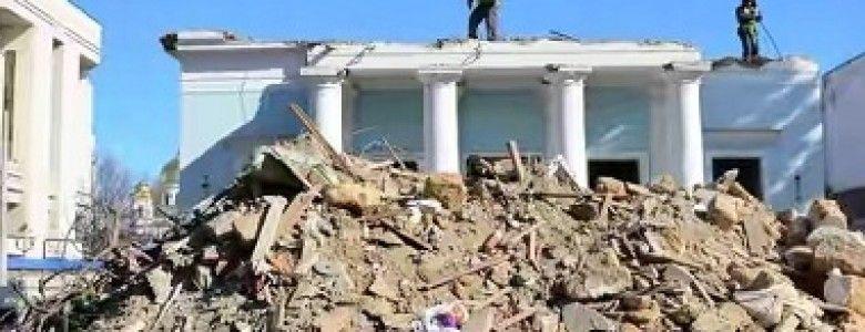 В Симферополе сносят здание Театра кукол