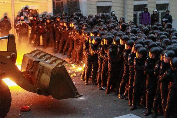 Сергей Аксенов почтил память бойцов «Беркута», погибших на Майдане
