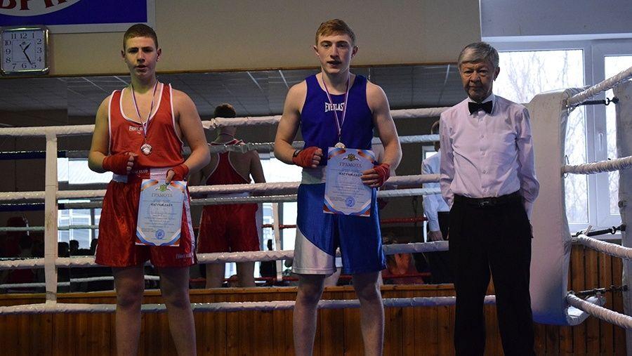 Определены победители первенства Симферополя по боксу среди юношей 15-16 лет