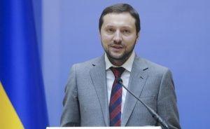 В Украине министр упал в обморок, говоря о Крыме