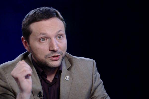 На Украине «министр пропаганды» упал в обморок после слов о Крыме
