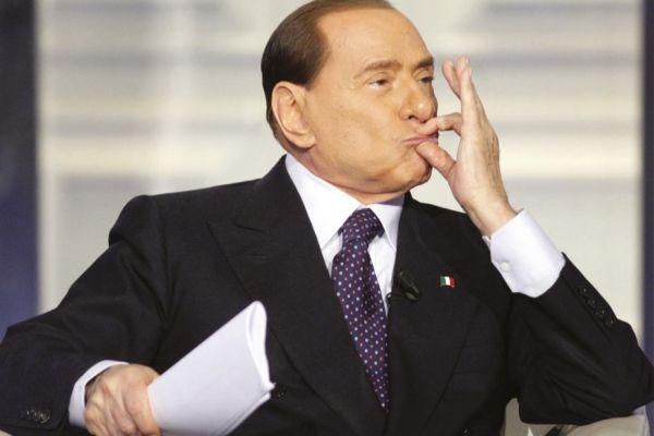 Активистка Femen: «Берлускони, твое время истекло!»