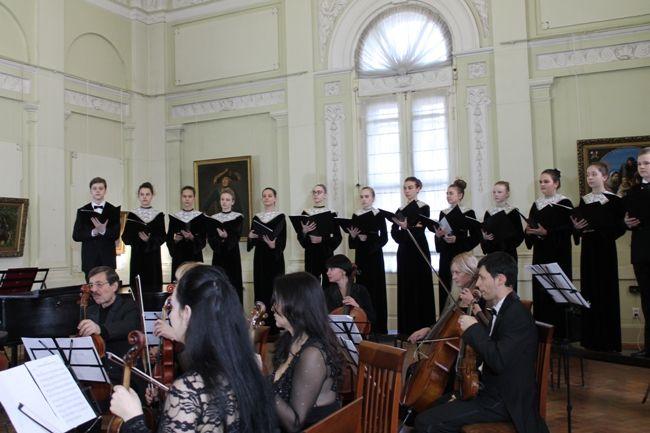 В Симферопольском художественном музее продолжаются концерты Крымской филармонии