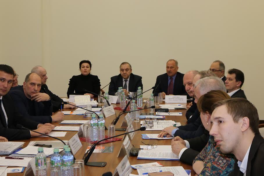 Арина Новосельская приняла участие в заседании круглого стола «Крым, открытый миру»