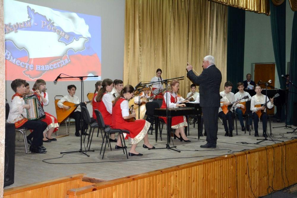 Неменее 35 тыс человек посетили концерт «Россия. Севастополь. Крым» в столицеРФ