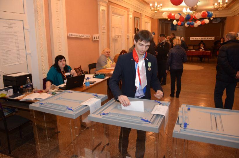 Выборы Президента России: в Красногвардейском районе избиратели с утра активно голосуют