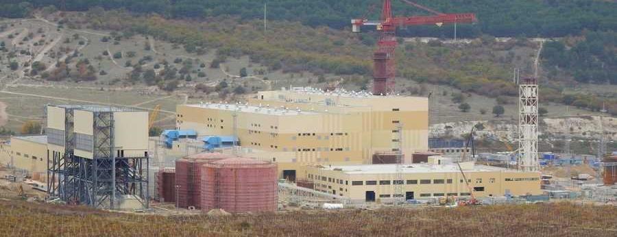 На территории новой ТЭС Севастополя, о запуске которой недавно докладывали Путину, произошел пожар