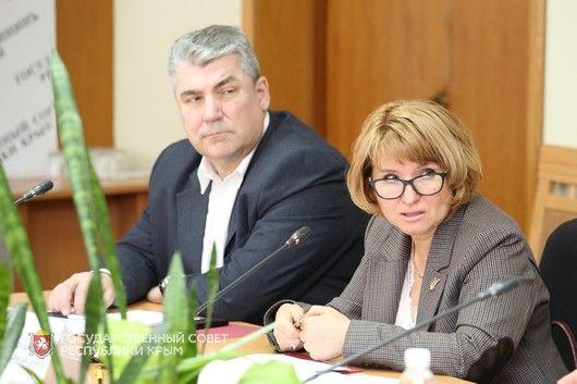 Реализацию программ «Земский доктор» и «Земский фельдшер» обсудили на заседании профильного Комитета