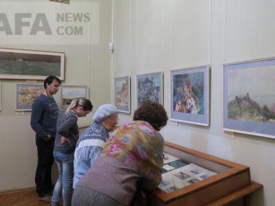 В галерее Айвазовского проходит выставка «У родных берегов»