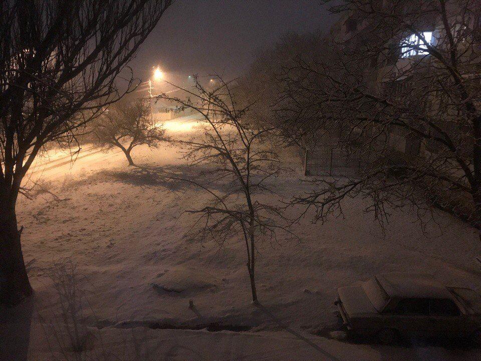 """""""Зима вернулась"""": в конце марта в Крыму выпал снег"""
