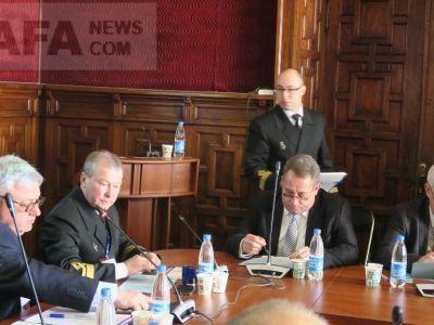 В Феодосии идет конференция археологов-подводников
