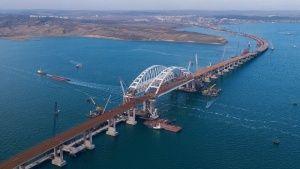 Проезд по мосту в Крым может стоить 60 рублей в один конец