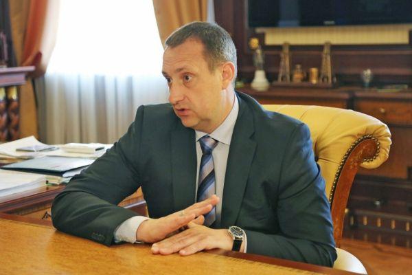 За что вице-премьера Крыма Владимира Серова отправили в отставку?