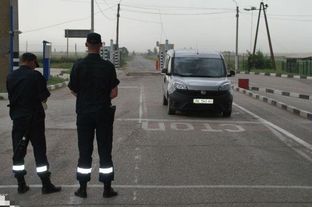 Суд вгосударстве Украина позволил арестовать российское судно, добывавшее песок вКрыму