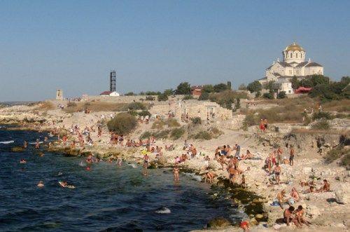 Власти Севастополя обещают подготовить пляжи только к началу лета