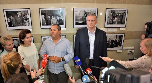 Сын Че Гевары открыл выставку в честь отца в Симферополе
