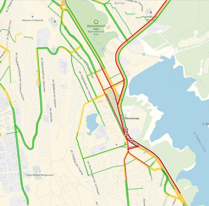 Утром движение по Ялтинскому шоссе Симферополя остановилось из-за аварий