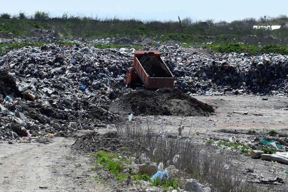 Власти Симферополя перекроют все дороги к городской свалке в Каменке