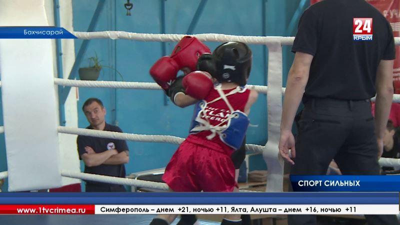 200 спортсменов соревновались в открытом чемпионате и первенстве Бахчисарайского района по тайскому боксу