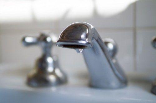 Симферопольцам отключат воду до среды: адреса, график подвоза