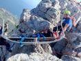 Спасатели помогли крымчанину спуститься со скалы