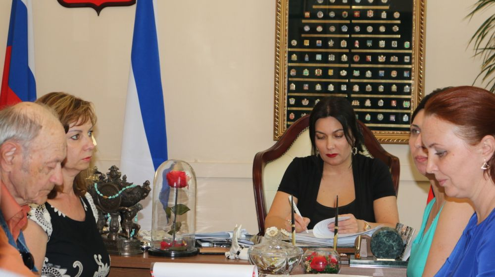 Арина Новосельская приняла участие в очередном заседании аттестационной комиссии руководителей республиканских учреждений